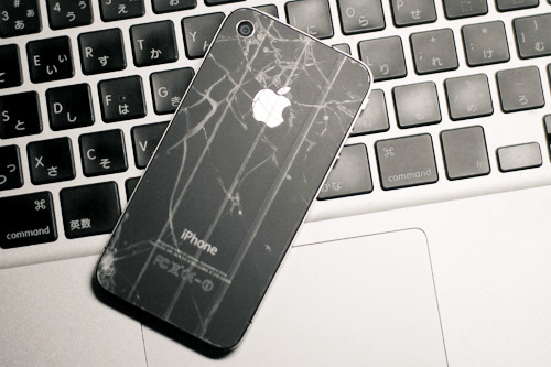iphone-4-falling
